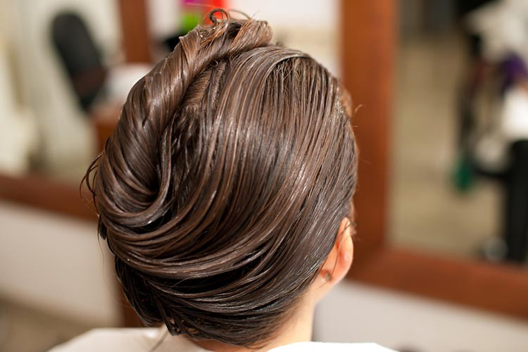 10 Easy Ways to Get Shiny Hair2