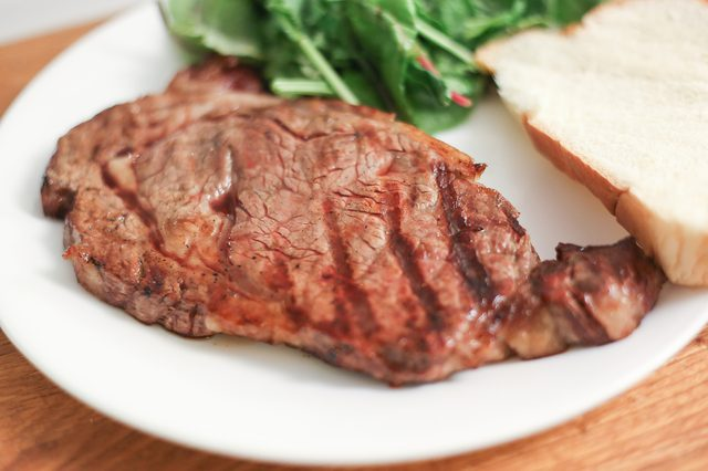 Follow these tips told you how to cook Grill a Rib-eye Steak