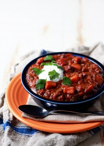 Slow Cooker Quinoa, Sweet Potato, & Black Bean Chili