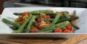 Easy-Garlic-Roasted-Asparagus-Recipe-0