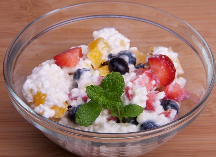 10 healthy snacks wtih high protein you should know no sugar added cottage cheese and fruit sisterspd