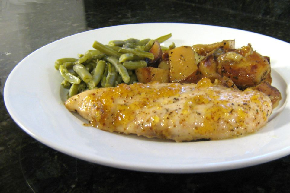 Peach glazed chicken with potatoes and green beans